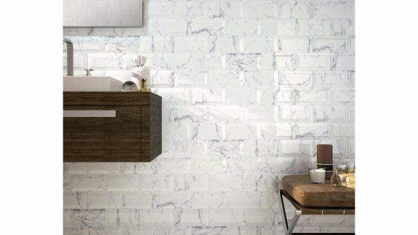 Bisel Brillo Carrara Glossy 10x20cm